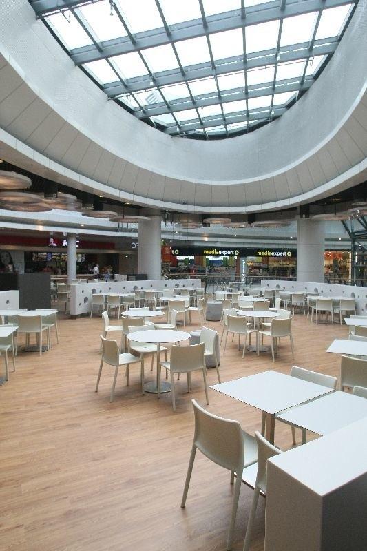 W Galerii Korona Kielce trwają ostatnie prace przed oficjalnym otwarciem centrum handlowego.