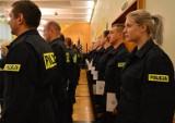 Jest praca w opolskiej policji, ale brakuje chętnych. Trudno też sprostać wymaganiom stawianym kandydatom na policjanta