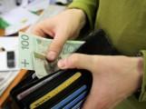 Zagraniczne sieci handlowe nie płacą u nas podatku dochodowego. Wyjątek: Biedronka