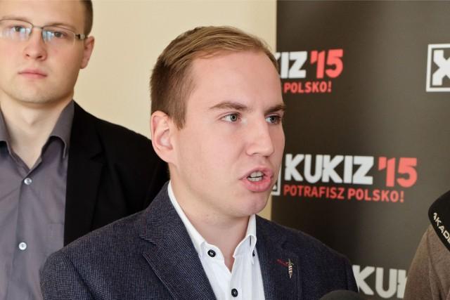 Adam Andruszkiewcz urodził się w Grajewie.