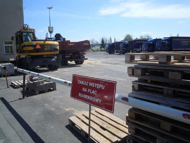 Na plac manewrowy WORD wjechały koparki. Gdy swój egzamin zdadzą budowlańcy, przyjdzie czas na kierowców.