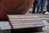 W Inowrocławiu stanęła największa w Europie piłka z soli! [zdjęcia]