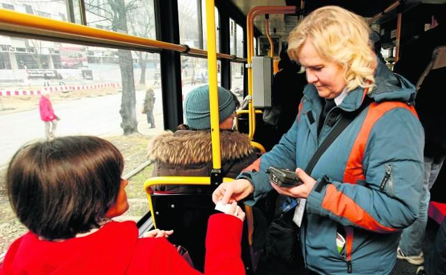 Kontroler w autobusie lub tramwaju powinien być kimś więcej niż tylko osobą sprawdzającą bilety