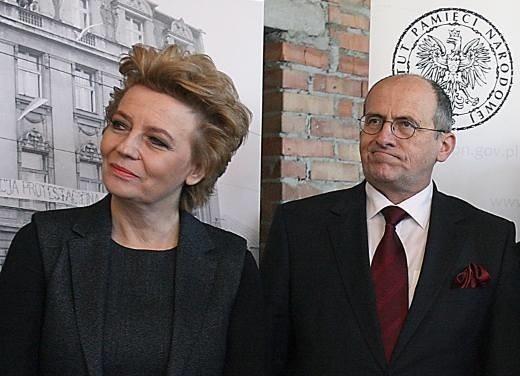 Czy wojewoda łódzki Zbigniew Rau dwa dni przed wyborami wygasi mandat prezydent Łodzi Hanny Zdanowskiej? Według radnego PO Bartosza Domaszewicza, jest taki plan.