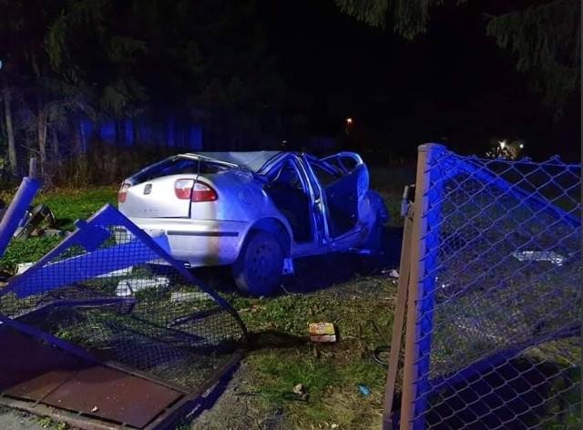 W wypadku, do którego doszło w sobotę wieczorem w Koronowie, ucierpiał kierowca seata