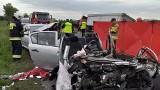 Łódzkie: Śmiertelny wypadek na DK 74! Zderzenie osobówek z ciężarową scanią! ZDJĘCIA