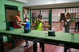 Zespół Szkół w Choroszczy. Młodzież uczy się posługiwać bronią i strzelać