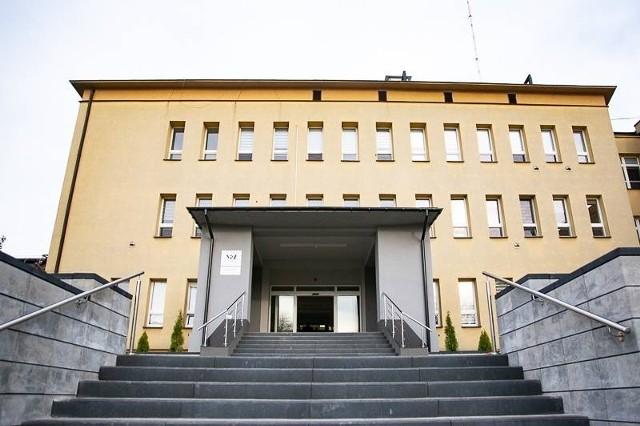 W szpitalu w Wysokiem Mazowieckiem powstał specjalny oddział dla zakażonych koronawirusem. Kosztem pediatrii