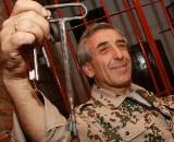 Gulasz w dołku i kawa pita w kabanie, czyli o restauracji stylizowanej na więzienną celę