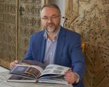 Podlaskie Muzeum Kultury Ludowej z nowym wydawnictwem o drewnianych domach na Białostocczyżnie