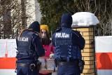 Białorusini są oburzeni wyrokiem w sprawie dziennikarek Biełsatu. Protestowali przed konsulatem (ZDJĘCIA)