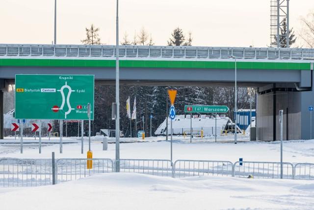 Węzeł Porosły został oddany do użytku pod koniec grudnia 2020 roku. A tak pół miesiąca później wyglądał w zimowej scenerii