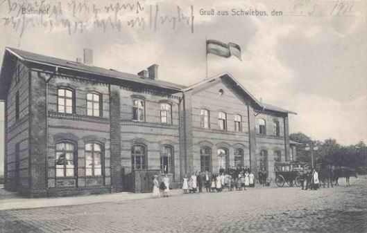 Dworzec PKP w Świebodzinie na starych widokówkach udostępnionych za zgodą www. schwiebus.pl