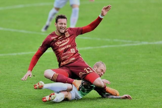 Chojniczanka Chojnice wygrała pewnie 3:1 w Jastrzębiu-Zdroju, a Janusz Surdykowski zdobył dwie bramki