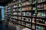 GIS ostrzega. W popularnym alkoholu mogą znajdować się kawałki szkła