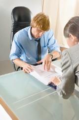 Oferty pracy: Blacharz, monter, cieśla to tylko niektóre z poszukiwanych zawodów