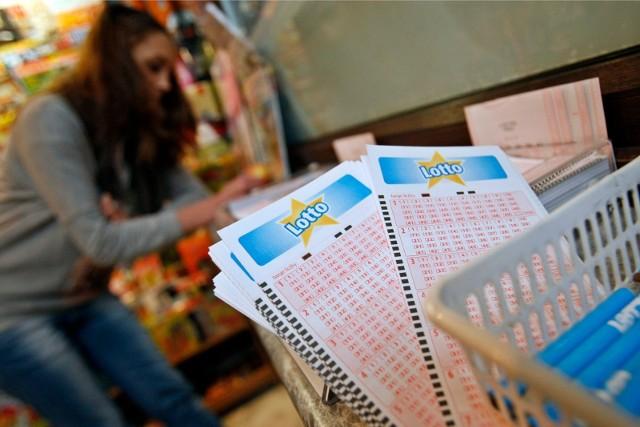 Wyniki Lotto 30.01.2021 r. Duży Lotek, Lotto Plus, Multi Multi, Kaskada, Mini Lotto, Super Szansa, Ekstra Pensja i Premia