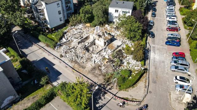 Tak wygląda tydzień po eksplozji miejsce wtorkowego wybuchu przy ulicy Wybickiego w Toruniu