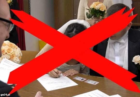 W 2002 r. bez ślubu żyło 396 054 ludzi. Nowszych danych nie ma.