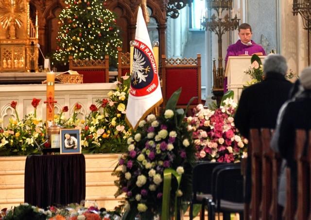 - Żegnamy Jerzego Madejskiego z podziękowaniem za twórczą obecność - mówili uczestnicy mszy w katedrze.