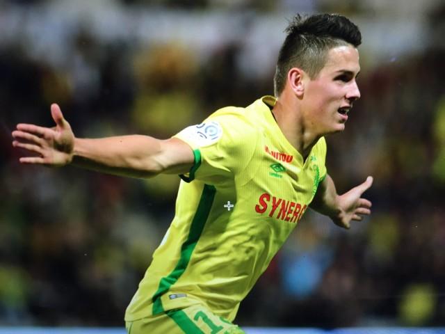 Mariusz Stępiński cieszy się po zdobyciu gola dla Nantes