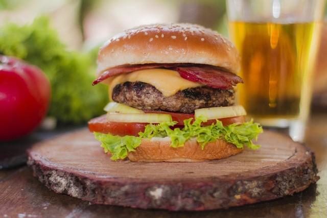 Jak zrobić domowy fast food? Zobaczcie nasze propozycje na domowe burgery, kebaba, hot dogi i pizzę!