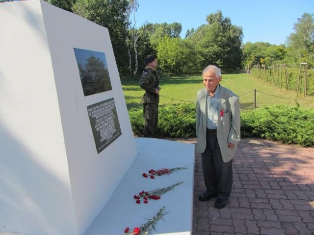 Przed 65 laty, z pierwszym transportem do Dziwnowa dotarł m.in. Elewteriadis Dimitrios. Miał wówczas 21 lat. Był ranny w ramię.