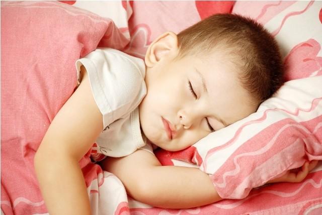 Spanie ze swoją pociechą. Lepiej razem czy osobno?Spanie ze swoją pociechą. Lepiej razem czy osobno?