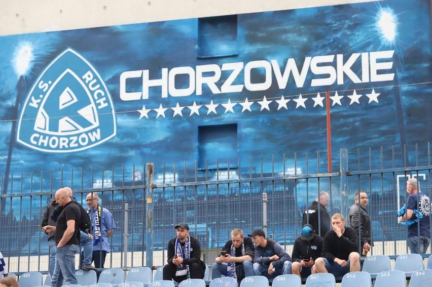Taki mural można teraz podziwiać ze stadionu Ruchu na Cichej...