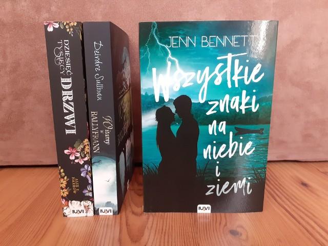 """Jenn Bennett, """"Wszystkie znaki na niebie i ziemi"""", Wydawnictwo IUVI, Kraków 2020, stron 424, przekład: Andrzej Goździkowski"""