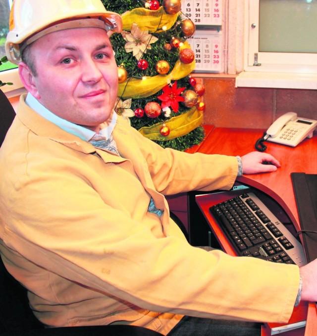 """Dariusz Kocur pracuje w górnictwie od 15 lat. Przyznaje, że """"Strefa Sztygara"""" ułatwi mu wyszukiwanie ważnych informacji"""