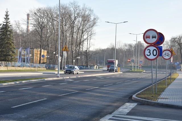 Nie wiadomo  jak długo na świeżo wyremontowanej ulicy Elektrycznej w Tarnowie będzie obowiązywało ograniczenia prędkości do 30 km/h
