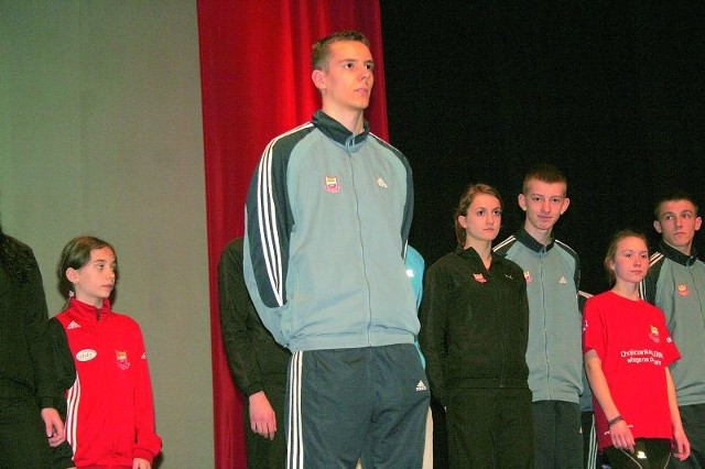 Damian Rudnik (na pierwszym planie) to pierwszy biegacz Chojniczanki powołany na MŚ.