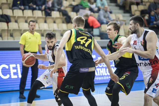 Koszykarzy Siarki Tarnobrzeg czeka walka o utrzymanie w 1 lidze w fazie play out