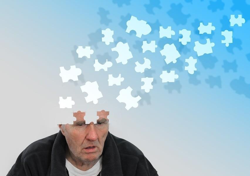 Zmniejszenie sprawności umysłowej nie musi być nieodłączną częścią starzenia się. W rzeczywistości to proces chorobowy, a nie normalna kolej losu! Jego podłożem jest w znacznej części stres oksydacyjny spowodowany nadmiarem wolnych rodników. Można go ograniczyć za pomocą odpowiednich zmian stylu życia, które najlepiej wprowadzić jak najwcześniej. Sprawdź, co można zrobić, by opóźnić albo zapobiec rozwojowi demencji i dzięki temu zmniejszyć zagrożenie chorobą nawet o 40 procent!