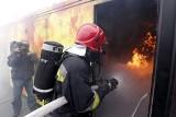 Wrocław: Strażacy trenowali w specjalnej komorze (ZDJĘCIA)
