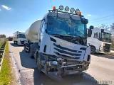 Wypadek na autostradzie A4. Pas w stronę Wrocławia zablokowany. Wszystko przez pożar i zderzenie ciężarówek