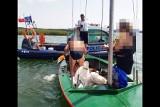 Wywrócona żaglówka na jeziorze Wigry. Policyjni wodniacy ruszyli na ratunek żeglarzom [ZDJĘCIA]