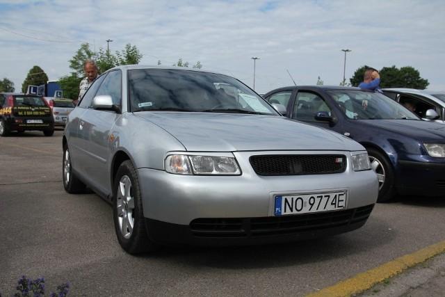 Audi A3, 2000 r., 1,6, klimatyzacja, ABS, centralny zamek, elektryczne szyby i lusterka, wspomaganie kierownicy, 7 tys. 500 zł