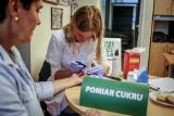 Leki na cukrzycę zanieczyszczone? Pacjenci zgłaszają się po leki bez metforminy. Co radzi ministerstwo?