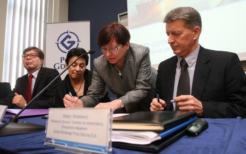 Gdynia: Strategiczna umowa dla rozwoju gdyńskiego portu oraz przyszłości Stoczni MW podpisana