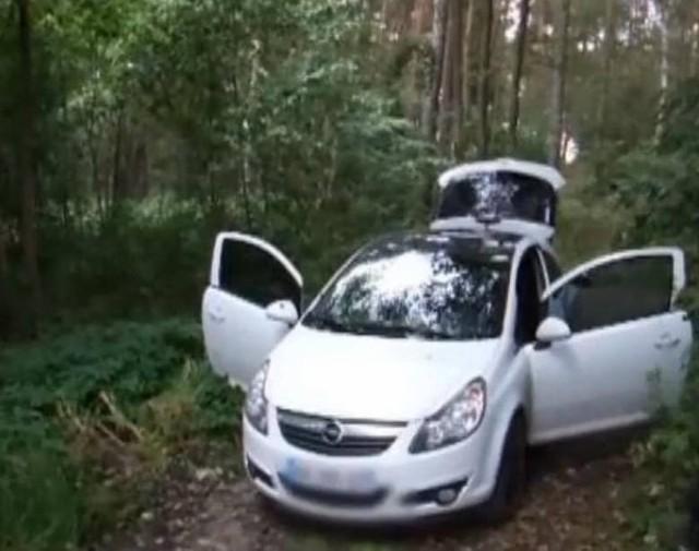 Macieja J. zatrzymano w lesie koło Kórnika. Policja drobiazgowo przeszukała jego samochód.