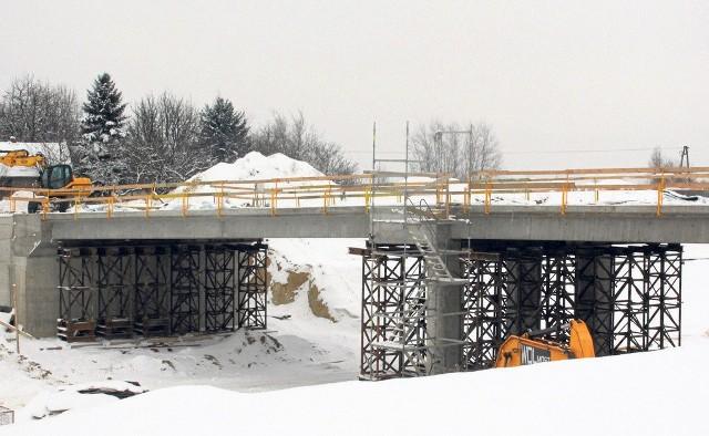Na Podkarpaciu w pobliżu Rzeszowa w budowie są już dwa odcinki drogi ekspresowej S19, a w przygotowaniu są projekty na kolejne. Pierwsze trasy mają być gotowe do sierpnia tego roku