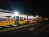 Wandal zniszczył warty 23 miliony złotych pociąg Kolei Dolnośląskich. 5000 zł za pomoc w złapaniu [ZDJĘCIA, FILM]