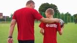 Piłkarska przyszłość z Lotosem. Długa droga od małego chłopca do piłkarza profesjonalnego klubu. W Chojnicach piłkarze są na jej początku