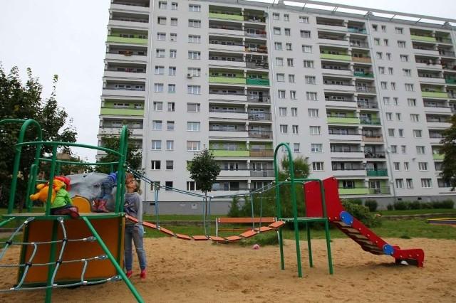 Rada Osiedla Św. Łazarz chciałaby rozbudować plac zabaw przy ulicy Dmowskiego