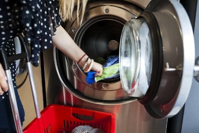Podczas pierwszego zamrożenia gospodarki i ograniczeń związanych z pandemią, większość pralni stanęła, przestała działać. Wiele z tych firm uzależnionych jest od hoteli
