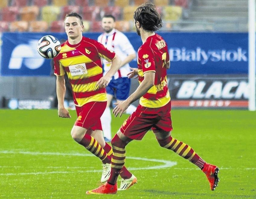 Maciej Gajos (z lewej) i Sebastian Madera należeli do najjaśniejszych postaci żółto-czerwonych w jesiennej części rozgrywek ekstraklasy piłkarskiej.