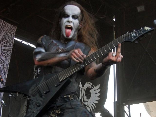 podczas koncertu na Rockstar Energy Mayhem Fest w 2009 (plik udostępniony na licencji Creative Commons 2.0)