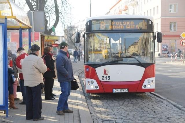 Autobus linii nr 8 będzie nadal jeździł do Polskiej Nowej Wsi. Gmina zapłaciła za to 234 tys. zł.